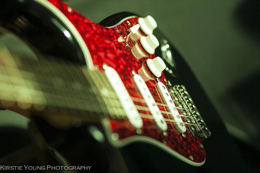 Coloured_Guitar_Web-2